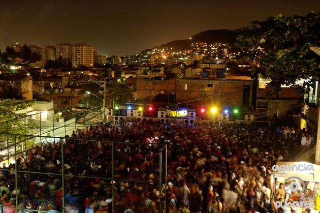 Baile of soundsystem Pernalonga at Favela Arvore Seca, Complexo do Lins, Northern Area.