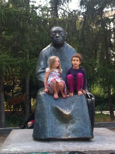 Käthe Kollwitz: a favourite lap for children