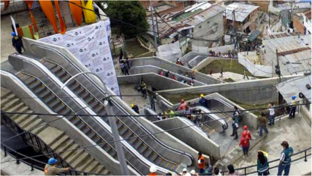 http://www.elmundo.com.ve/noticias/economia/internacional/fotos---barrio-de-medellin-estrena-escaleras-mecan.aspx