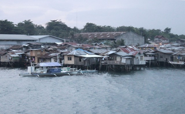 Stilt houses advancing over the sea