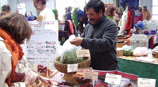 In Santa Fe, New Mexico, one of a growing number of winter farmers' markets. (Photo: Tory Field)