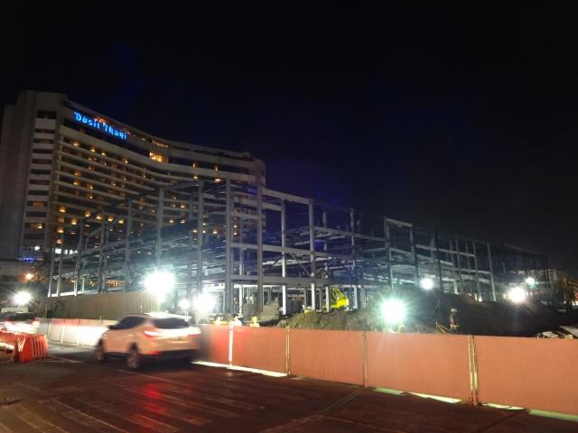 Construction in Makati (Renard Teipelke, 2013)