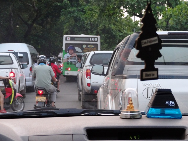 Traffic - Vientiane, Lao (Teipelke, 2014)