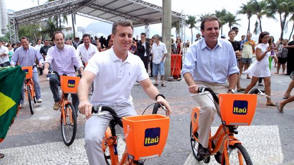 Mayor Eduardo Paes opening Rio's public bike system